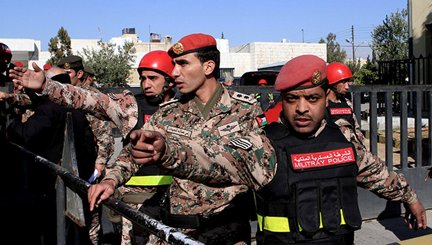 Arab Armed Forces: State Makers or State Breakers?