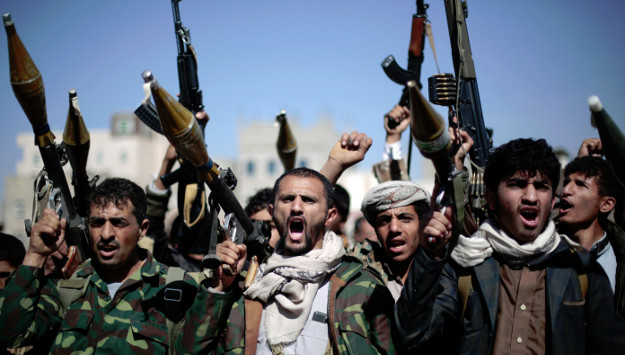 Houthis want Iran and Russia to deliver arms to Sana'a, bypassing coalition siege