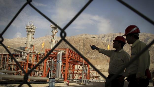 Total leaves Iran as energy sanctions loom